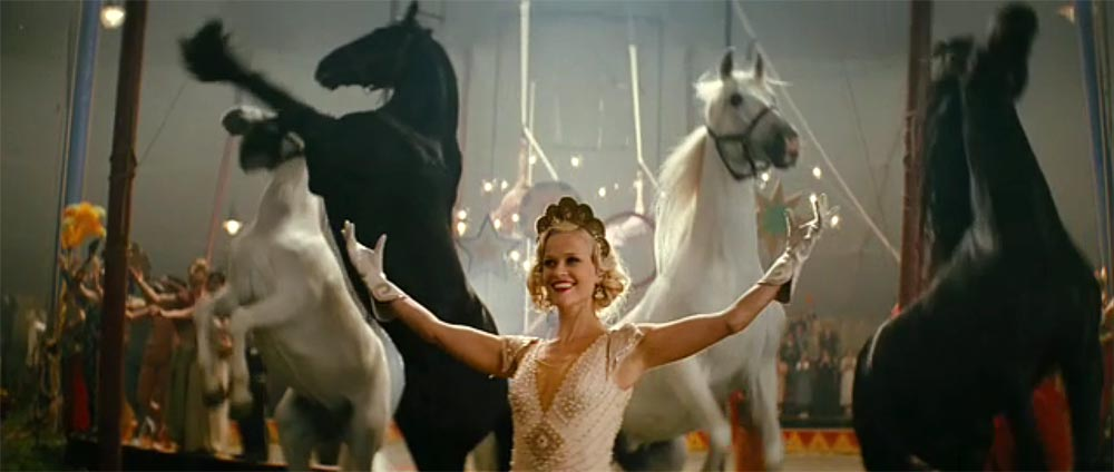 Circus horses water for elephants - photo#6