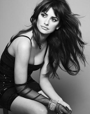 hottest actresses under 40