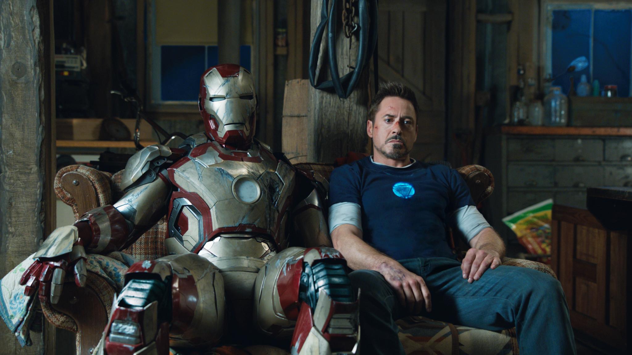 iron man 3 just ate the box office cinesnark. Black Bedroom Furniture Sets. Home Design Ideas