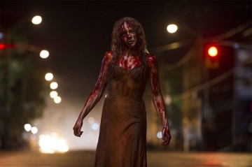 Chloe-Moretz-in-Carrie-2013-Movie-Image4